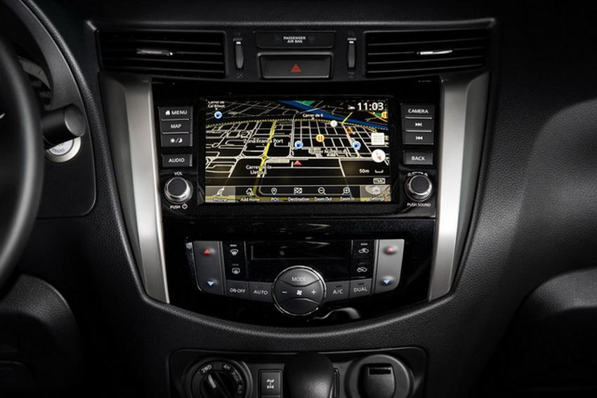 Mẫu xe bán tải Nissan Navara 2020 ra mắt tại thị trường Anh 7