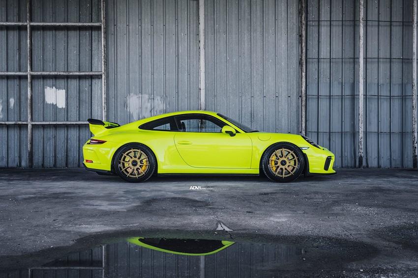 Phiên bản Porsche 911 GT3 màu xanh Acid Green - 2