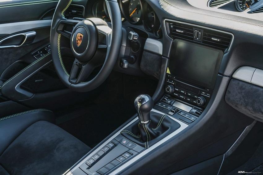 Phiên bản Porsche 911 GT3 màu xanh Acid Green - 6