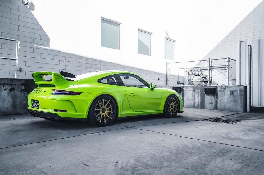 Phiên bản Porsche 911 GT3 màu xanh Acid Green - 9