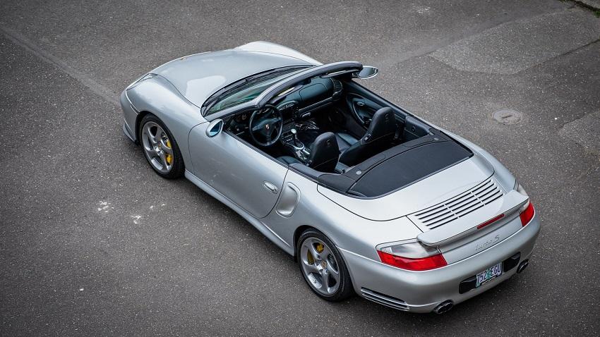 Porsche 911 Turbo S với hộp số sàn 6 cấp - 11