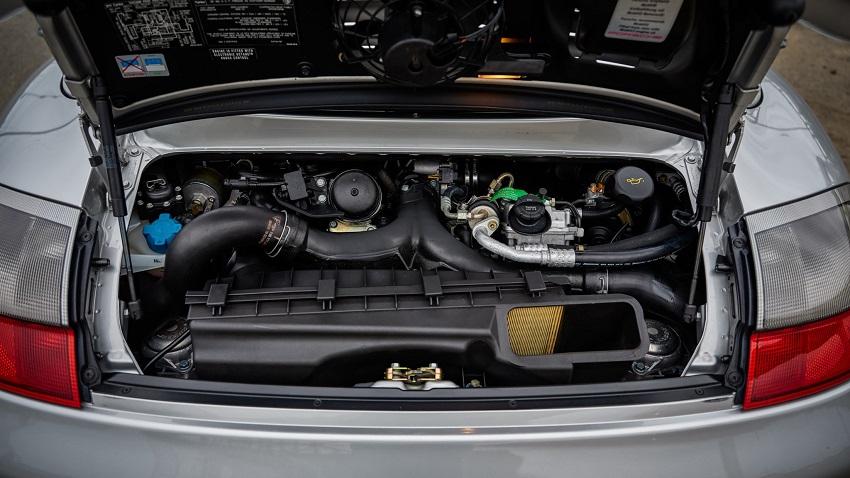 Porsche 911 Turbo S với hộp số sàn 6 cấp - 18