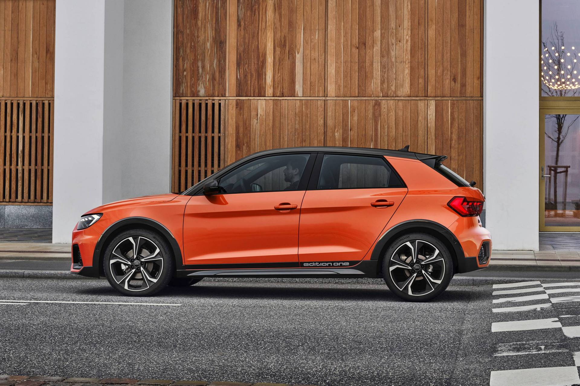 Audi A1 Citycarver 2020 ra mắt phiên bản hatchback gầm cao, tiện dụng cho đô thị - 1