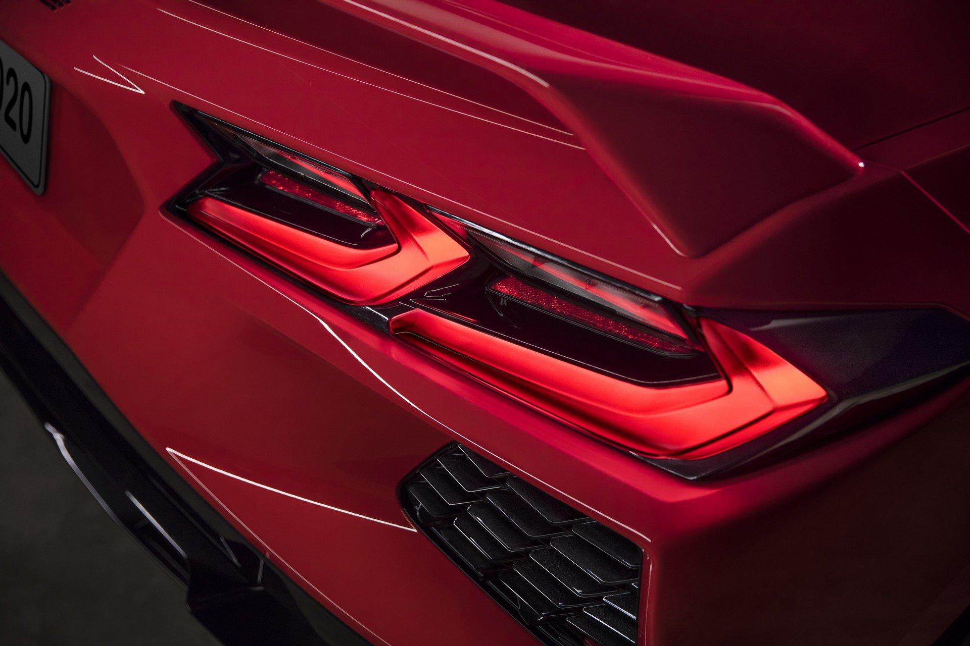Chevrolet ra mắt Corvette C8 thế hệ mới thiết kế táo bạo, động cơ đặt giữa - 14