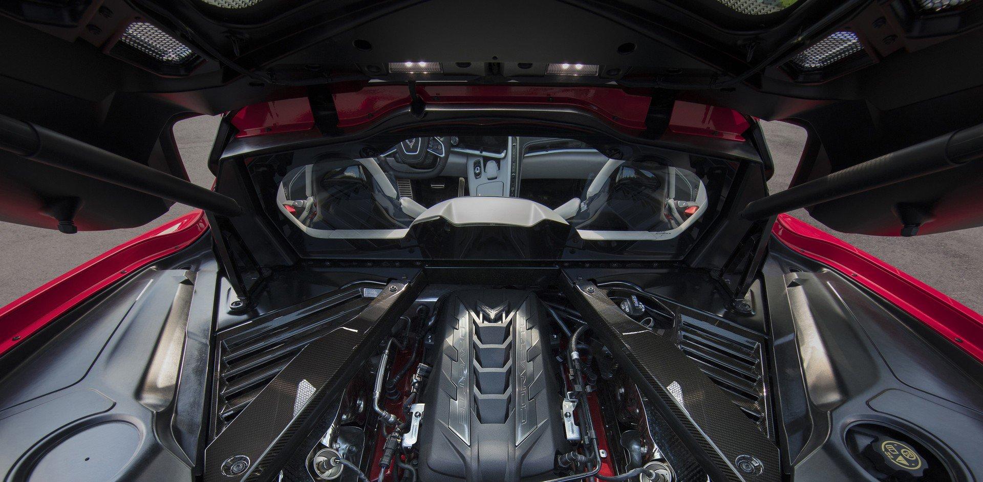 Chevrolet ra mắt Corvette C8 thế hệ mới thiết kế táo bạo, động cơ đặt giữa - 3