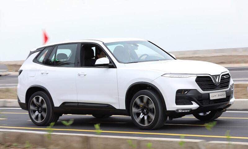 VinFast bàn giao 200 xe Lux A2.0 và Lux SA2.0 đầu tiên cho khách hàng vào ngày 28-7-2019 - 1