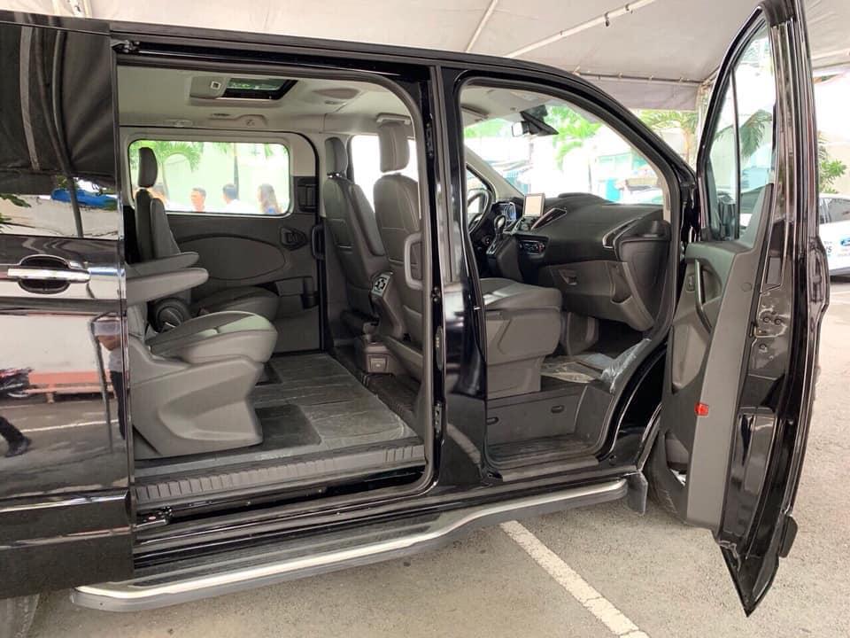 Hình ảnh thực tế mẫu xe MPV 7 chỗ Ford Tourneo sắp bán ra ở Việt Nam - 5