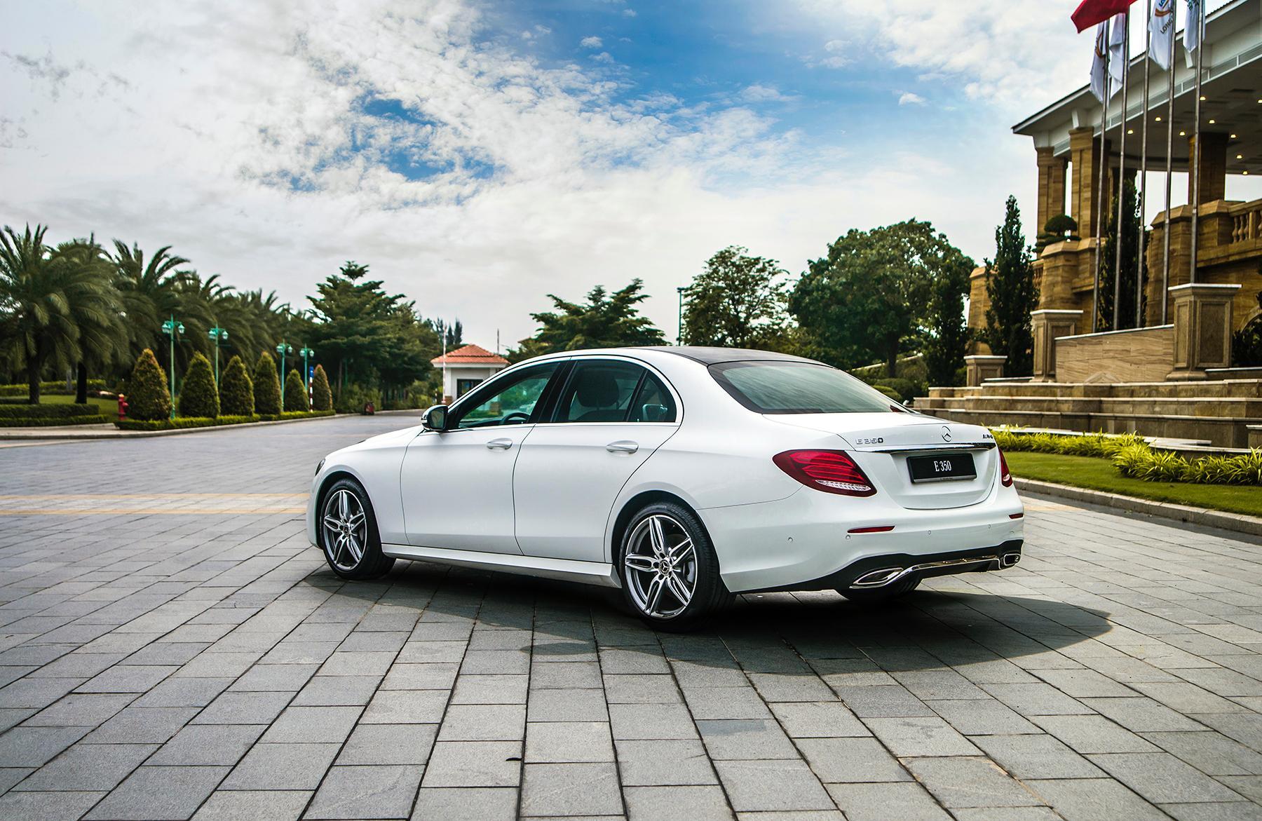 Mercedes-Benz E 350 AMG - phiên bản mạnh nhất dòng E-Class có giá 2,89 tỉ đồng - 2
