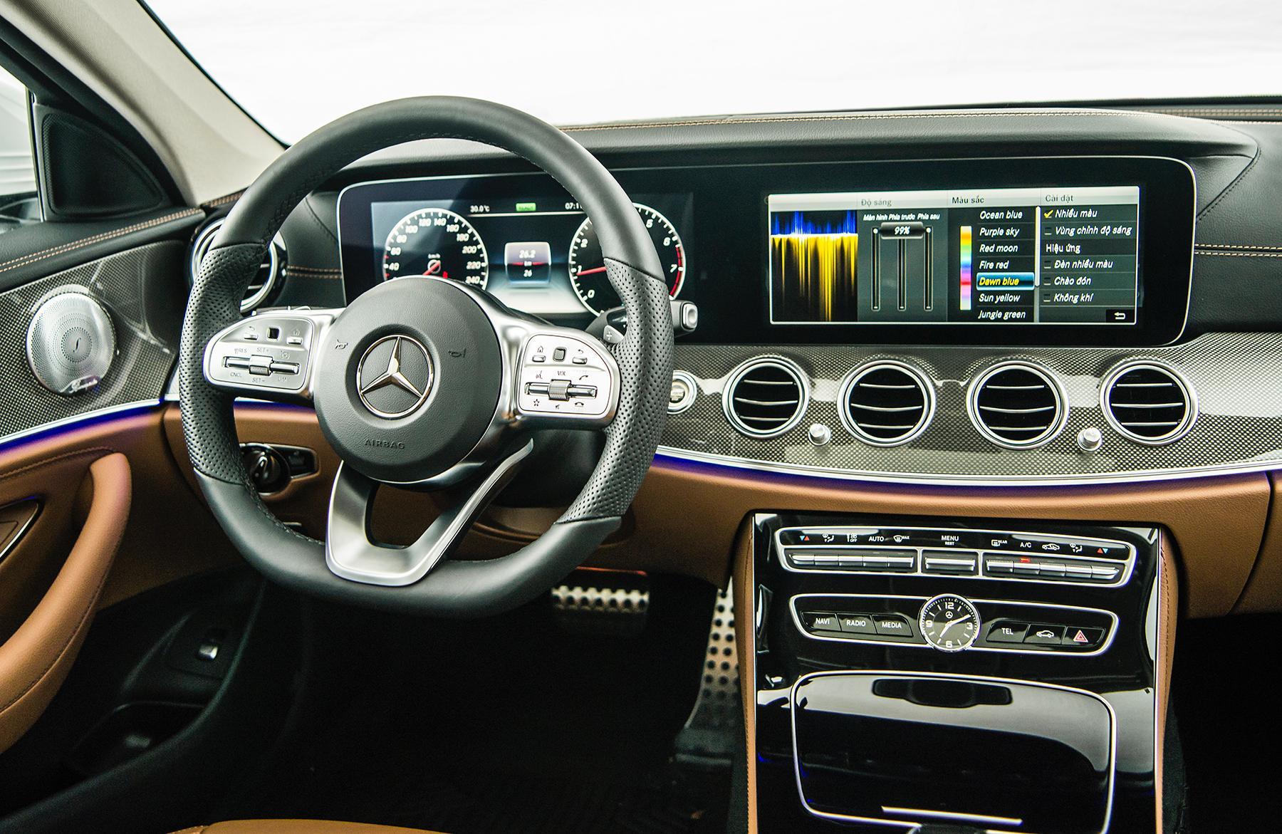 Mercedes-Benz E 350 AMG - phiên bản mạnh nhất dòng E-Class có giá 2,89 tỉ đồng - 23