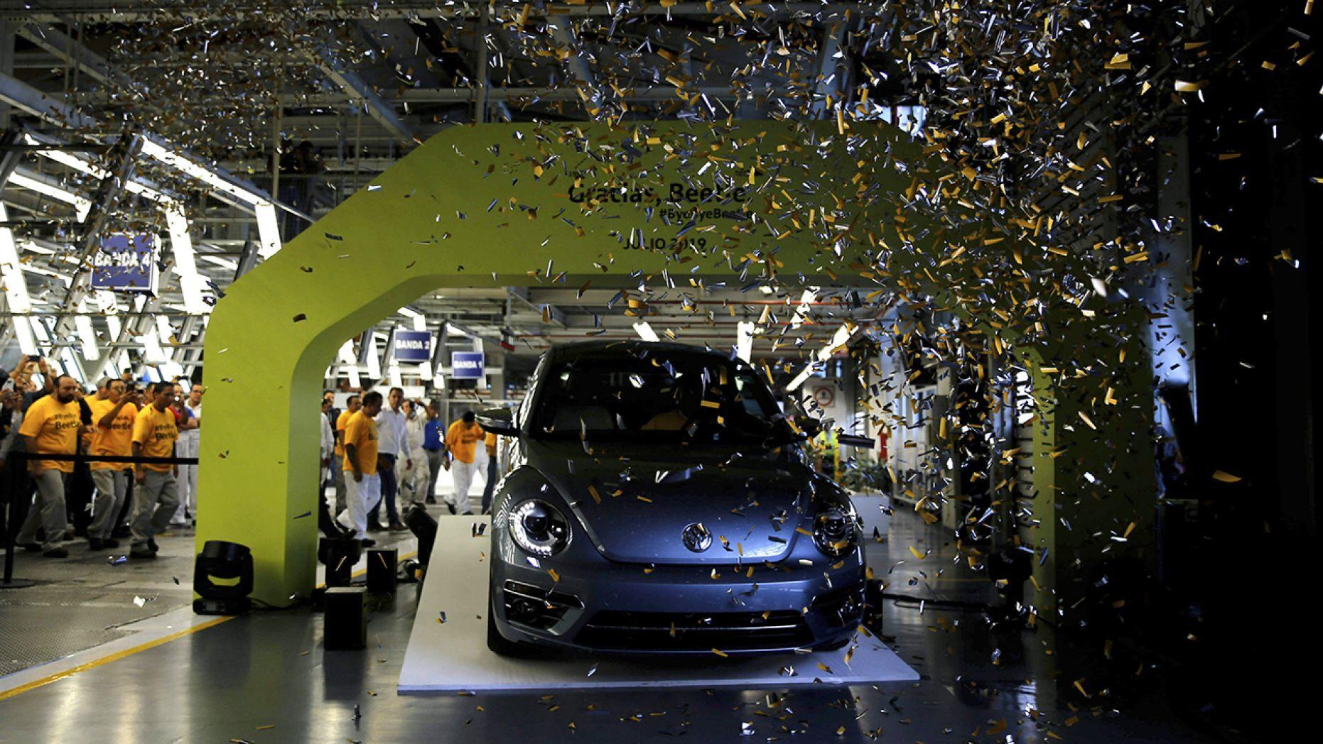Chiếc Volkswagen Beetle cuối cùng được sản xuất tại Mexico - 1
