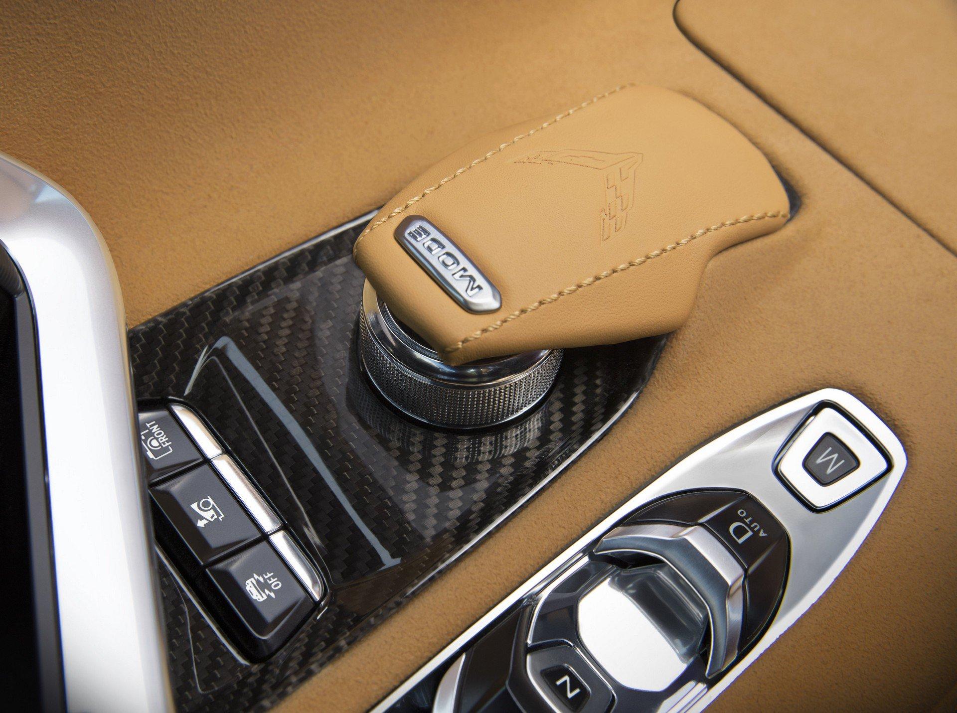 Chevrolet ra mắt Corvette C8 thế hệ mới thiết kế táo bạo, động cơ đặt giữa - 2