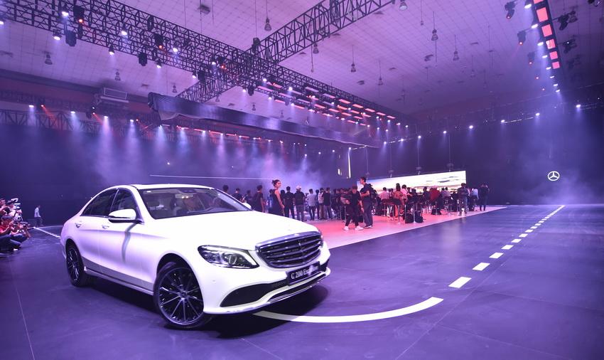 Khai mạc triển lãm Mercedes-Benz Fascination 2019 tại Hà Nội - 1