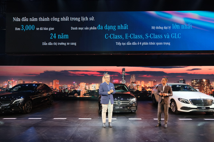 Khai mạc triển lãm Mercedes-Benz Fascination 2019 tại Hà Nội - 14