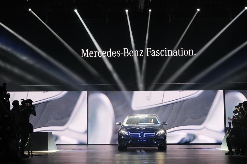 Khai mạc triển lãm Mercedes-Benz Fascination 2019 tại Hà Nội - 17