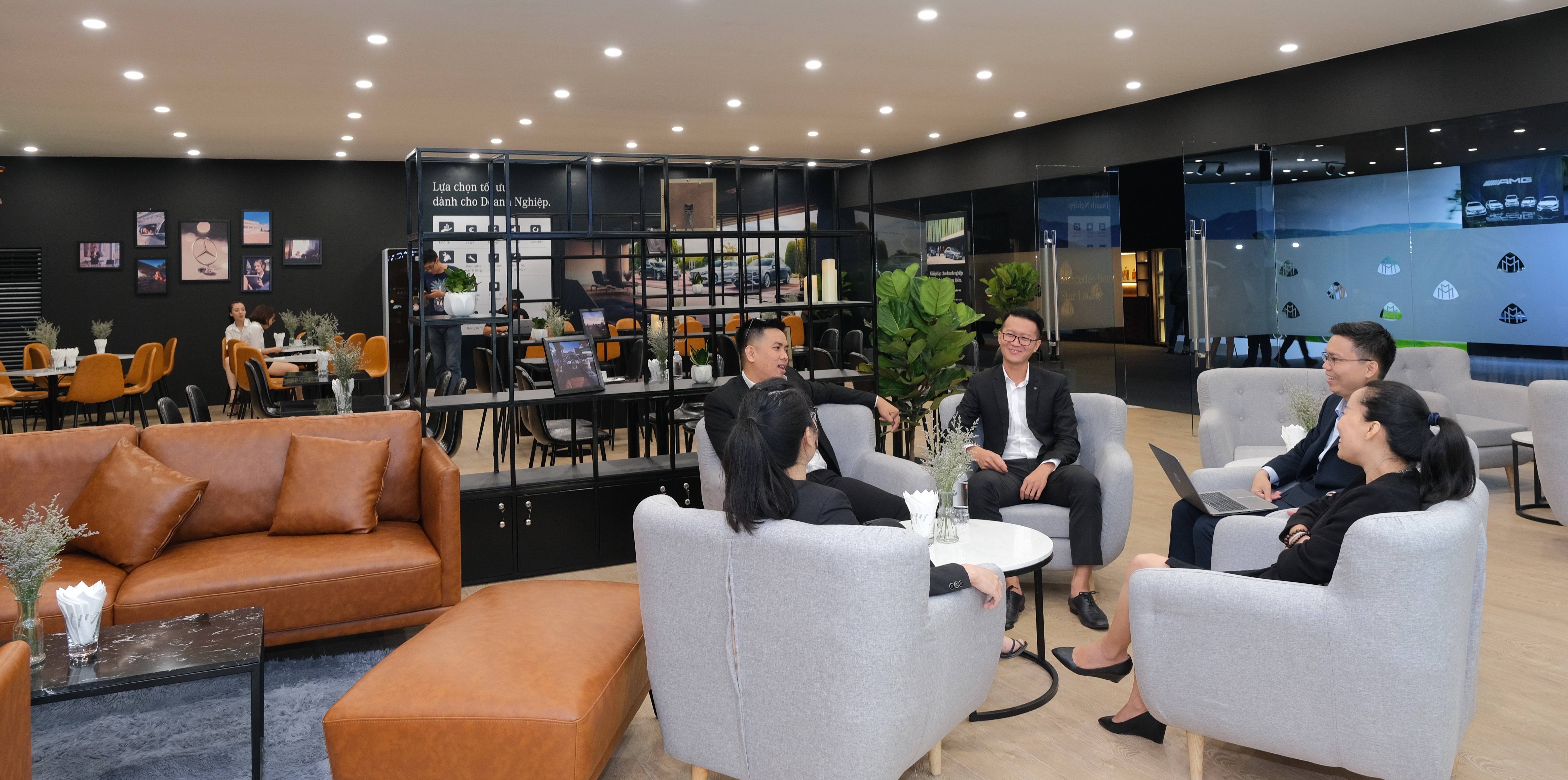 Khai mạc triển lãm Mercedes-Benz Fascination 2019 tại Hà Nội - 8
