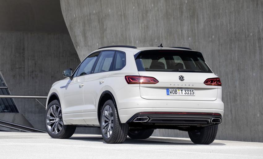 Chào mừng chiếc xe thứ 1 triệu, Volkswagen cho ra mắt phiên bản Touareg One Million - 1