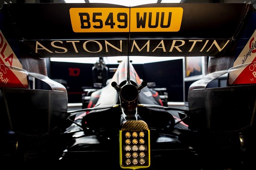 Aston Martin tổ chức lễ kỉ niệm phim James Bond tại giải đua Grand Prix - 4