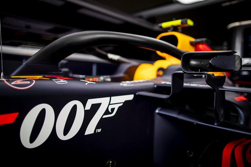 Aston Martin tổ chức lễ kỉ niệm phim James Bond tại giải đua Grand Prix - 5