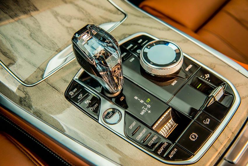 Cận cảnh mẫu xe BMW X7 thế hệ đầu tiên giá 7,499 tỉ đồng ra mắt tại Việt Nam - 34