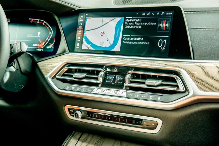 Cận cảnh mẫu xe BMW X7 thế hệ đầu tiên giá 7,499 tỉ đồng ra mắt tại Việt Nam - 30