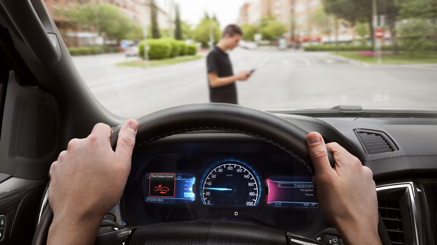 Những giải pháp công nghệ giúp người cao tuổi lái xe độc lập - 2