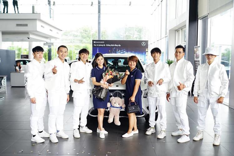 Ca sĩ, diễn viên Hoàng Yến Chibi sở hữu Mercedes-Benz GLC 200 - 2