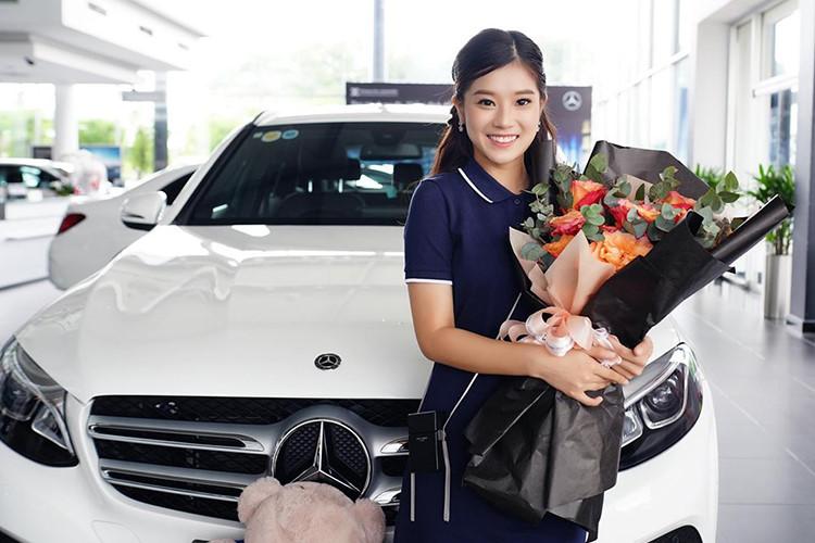 Ca sĩ, diễn viên Hoàng Yến Chibi sở hữu Mercedes-Benz GLC 200 - 3