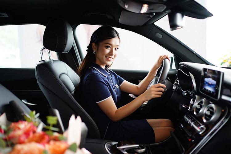 Ca sĩ, diễn viên Hoàng Yến Chibi sở hữu Mercedes-Benz GLC 200 - 5