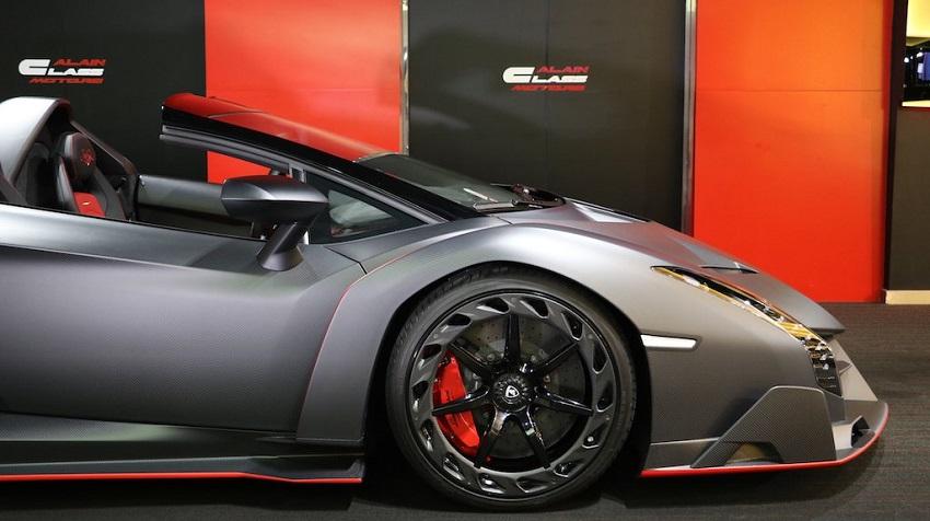 Lamborghini Veneno Roadster hàng hiếm với thiết kế thân xe làm bằng sợi carbon trần - 10