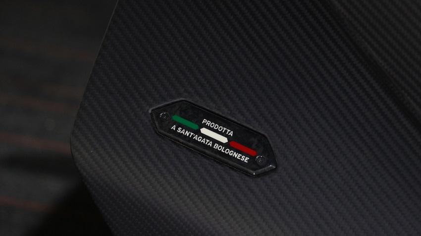 Lamborghini Veneno Roadster hàng hiếm với thiết kế thân xe làm bằng sợi carbon trần - 27