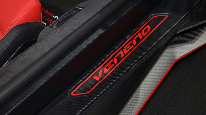 Lamborghini Veneno Roadster hàng hiếm với thiết kế thân xe làm bằng sợi carbon trần - 29
