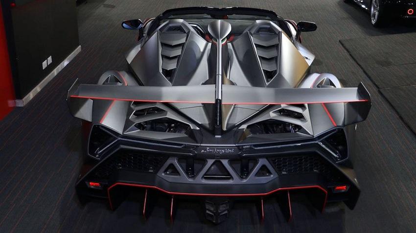 Lamborghini Veneno Roadster hàng hiếm với thiết kế thân xe làm bằng sợi carbon trần - 6