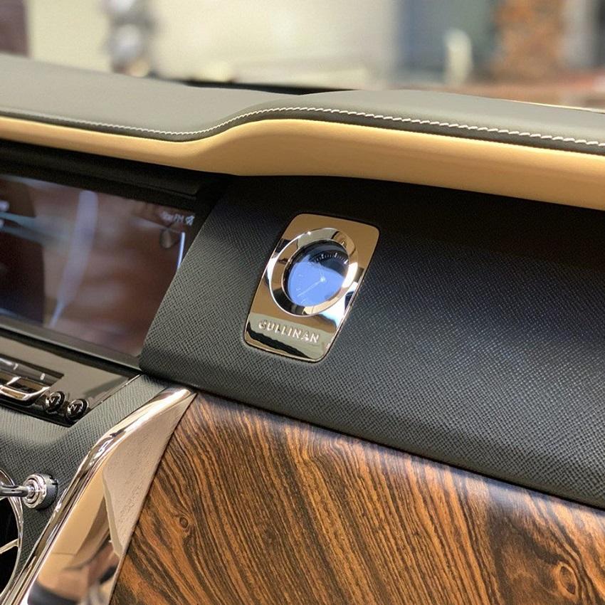 Petra Gold Rolls-Royce Cullinan sang trọng với thiết kế nội thất kiểu Moccasin - 2