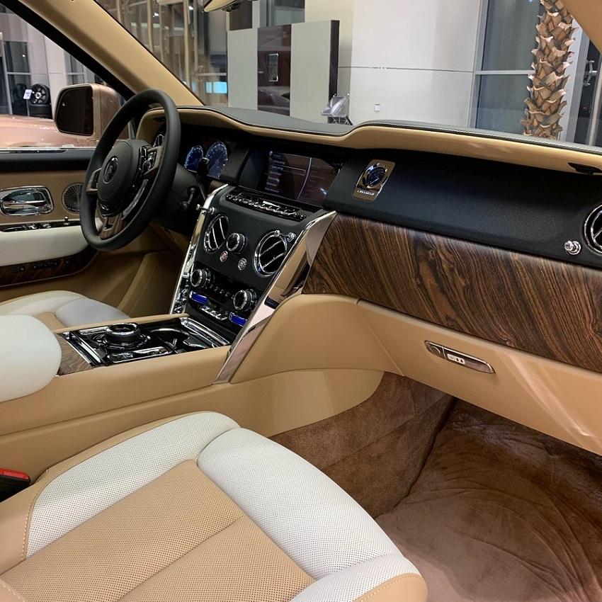 Petra Gold Rolls-Royce Cullinan sang trọng với thiết kế nội thất kiểu Moccasin - 3