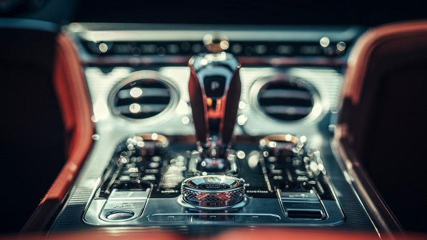 Trải nghiệm phiên bản Bentley Continental GT V8 2020 mới - 31