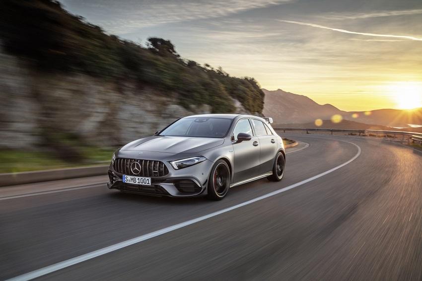 Siêu xe hiệu suất cao AMG A 45 và CLA 45 của Mercedes sở hữu thân xe nhỏ gọn - 1