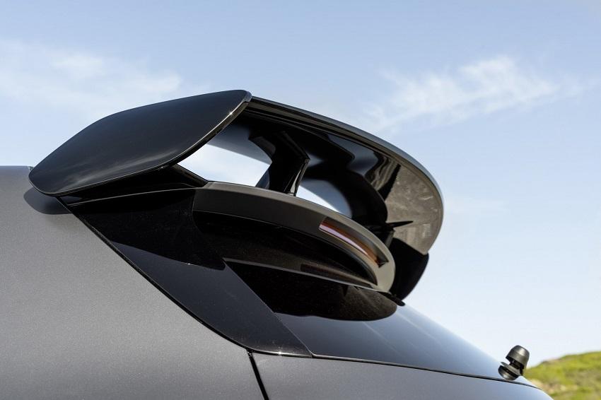Siêu xe hiệu suất cao AMG A 45 và CLA 45 của Mercedes sở hữu thân xe nhỏ gọn - 34