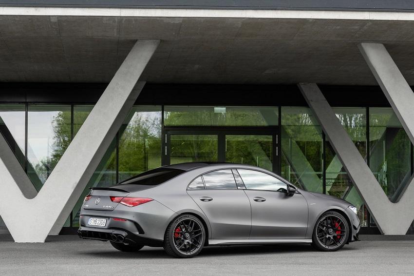 Siêu xe hiệu suất cao AMG A 45 và CLA 45 của Mercedes sở hữu thân xe nhỏ gọn - 48