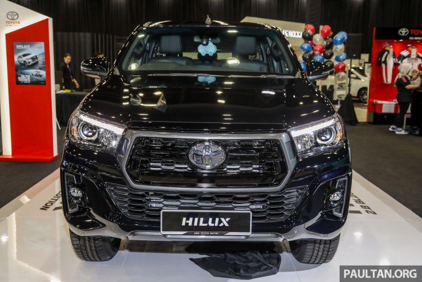 Toyota Hilux phiên bản Black Edition vừa ra mắt, giá bán 776,53 triệu đồng - 4