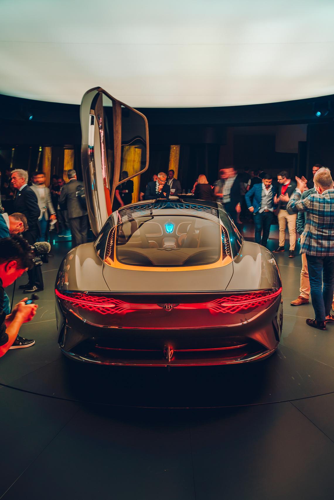 Mẫu xe ý tưởng Bentley EXP 100 GT, xe tự lái tương lai kỷ niệm 100 năm di sản Bentley - 8