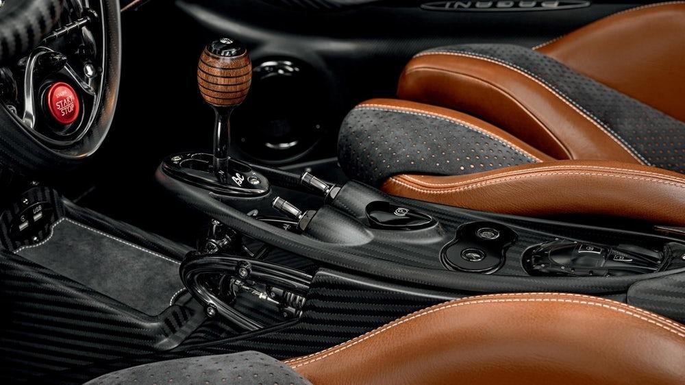 Huayra Roadster BC mới của Pagani siêu phẩm Hypercar V12 đắt giá 3,4 triệu USD - 8