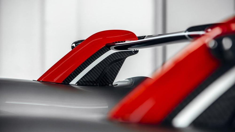 Huayra Roadster BC mới của Pagani siêu phẩm Hypercar V12 đắt giá 3,4 triệu USD - 1