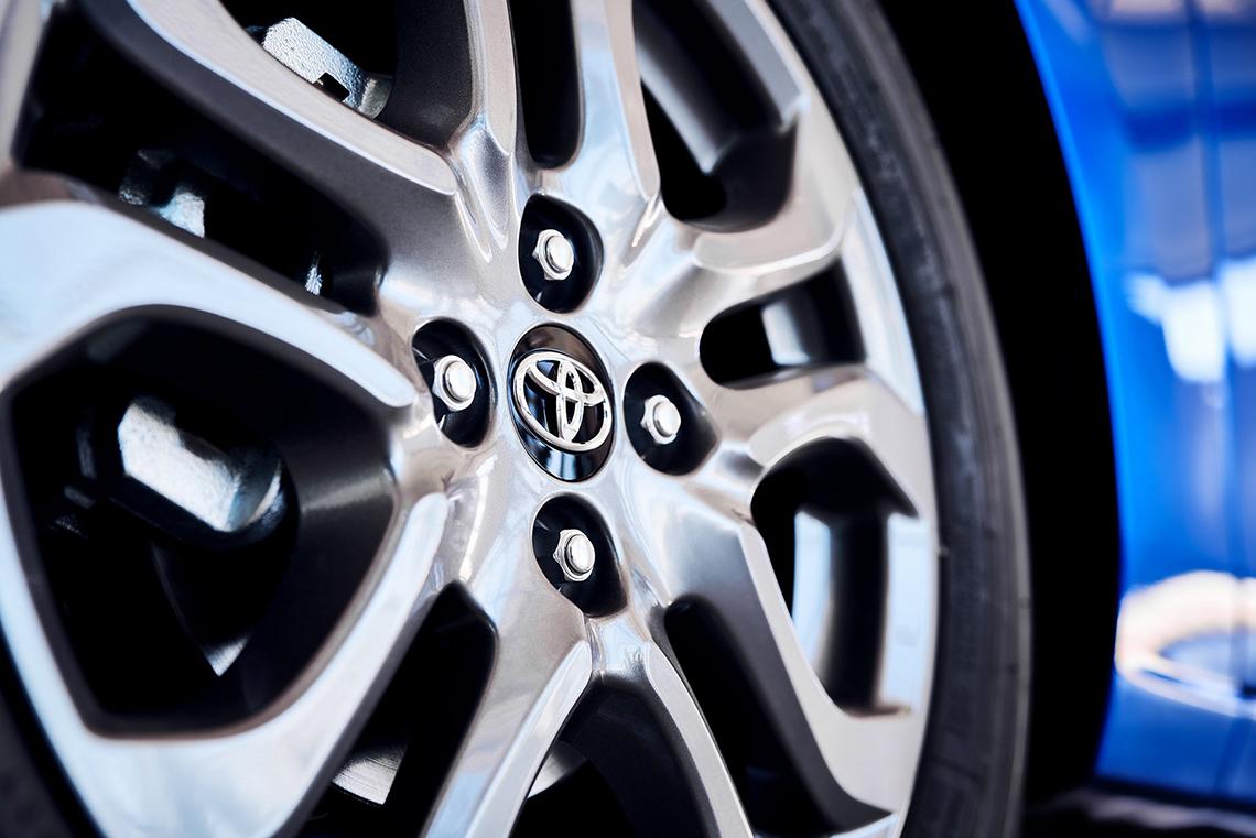 Toyota Yaris 2020 Hatchback có thiết kế giống Mazda2, giá từ 18.705 USD - 10
