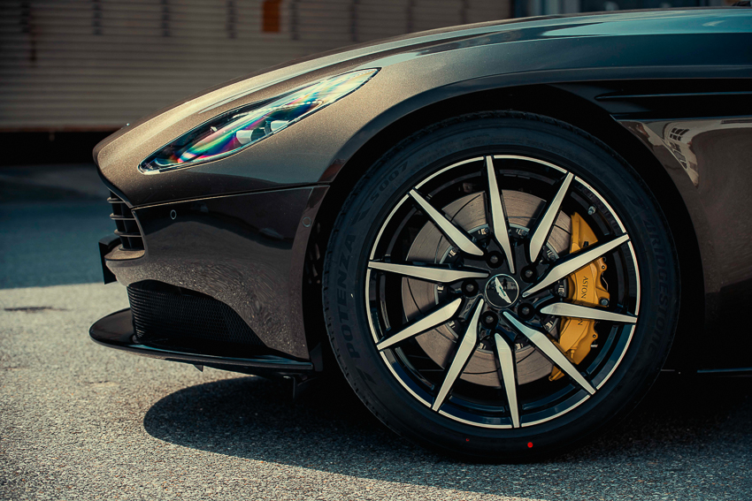 Aston Martin DB11 V8 phiên bản độc Kopi Bronze vừa thông quan, chuẩn bị bàn giao đến chủ nhân - 14