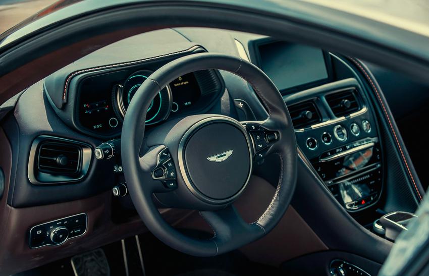 Aston Martin DB11 V8 phiên bản độc Kopi Bronze vừa thông quan, chuẩn bị bàn giao đến chủ nhân - 1