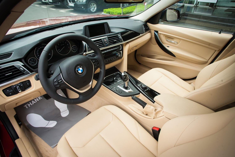 BMW 320i thế hệ cũ giảm giá lên đến 275 triệu đồng tại Việt Nam - 03