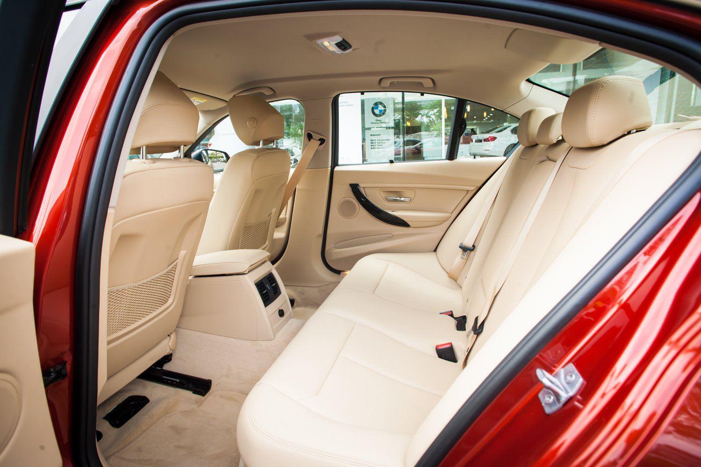 BMW 320i thế hệ cũ giảm giá lên đến 275 triệu đồng tại Việt Nam - 04