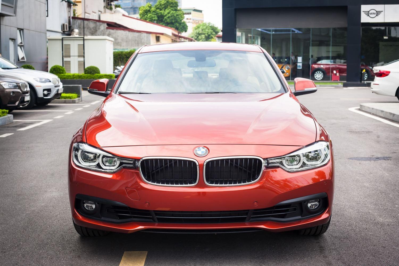 BMW 320i thế hệ cũ giảm giá lên đến 275 triệu đồng tại Việt Nam - 05