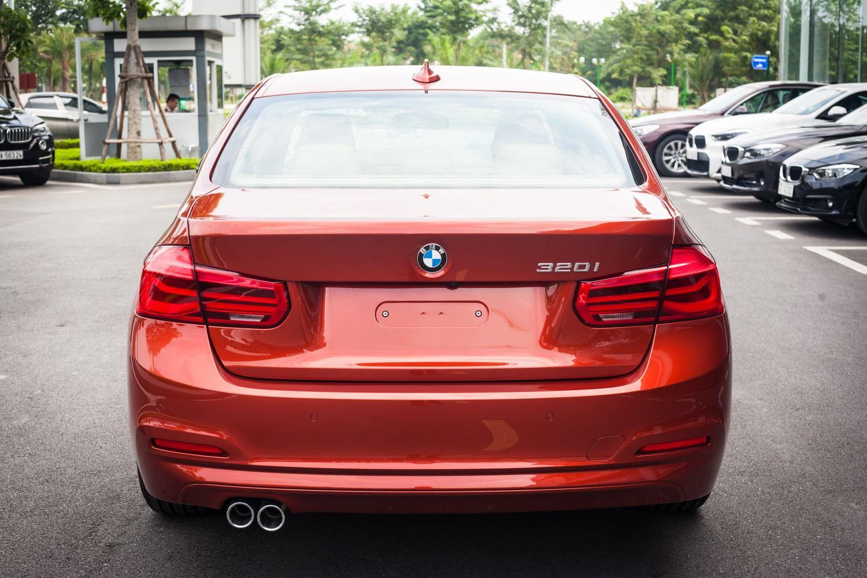 BMW 320i thế hệ cũ giảm giá lên đến 275 triệu đồng tại Việt Nam - 06