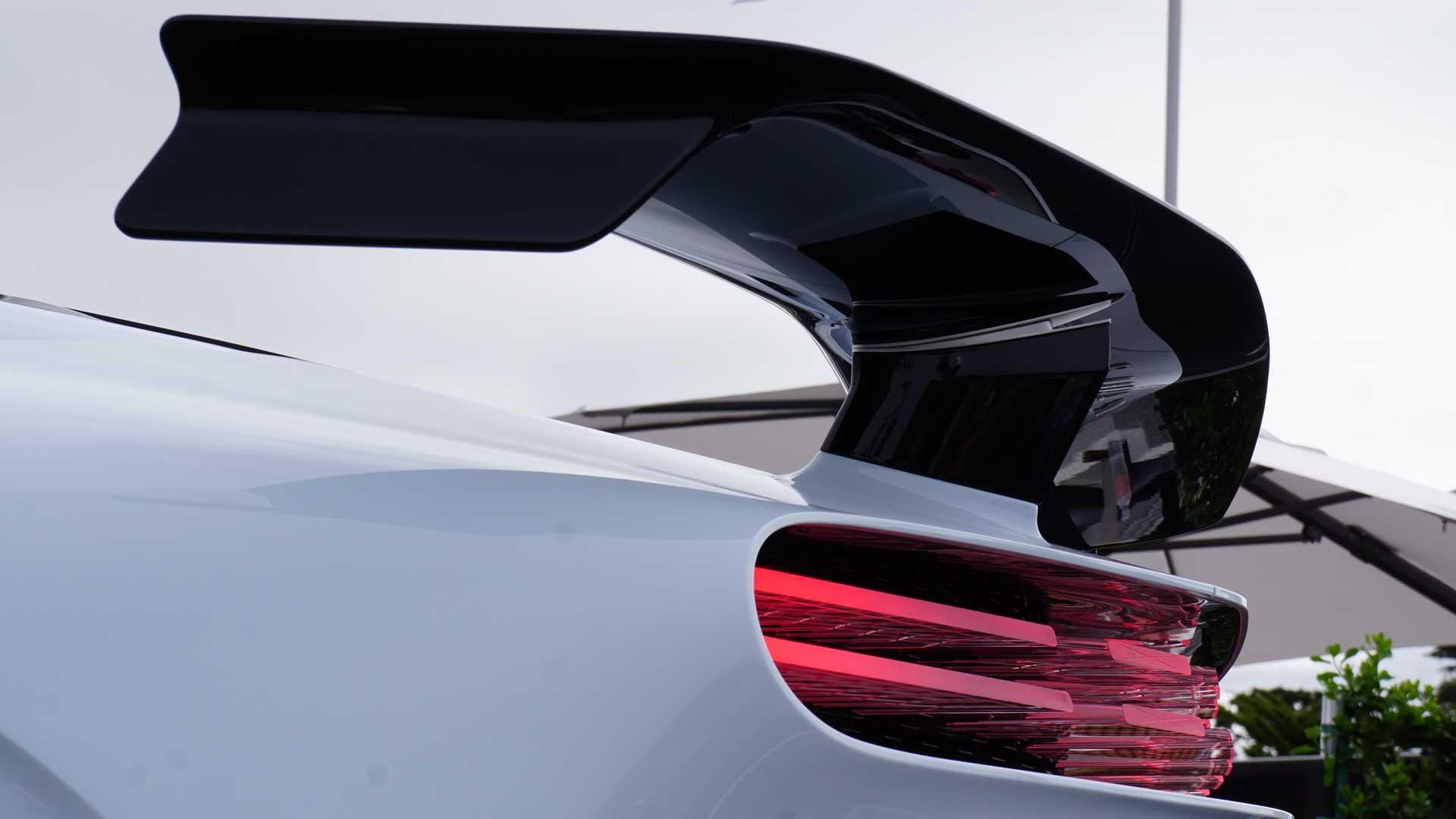 Bugatti Centodieci – siêu xe 9 triệu đô cháy hàng ngay khi ra mắt 09